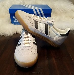 Adidas Indoor Super White, Black & Silver sneakers